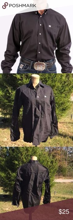 Mens CINCH Black L/S Button Down Western Shirt sz Men's Cinch Button Down Shirt Size Small Dark Black Excellent condition Please see photos Thank you!!!  NOTE:   I list for others as well so items may come from a home with pets or smokers.   Also, I travel several days out of the month, usually 3 days at a time  PLEASE FEEL FREE TO OFFER YOUR BEST PRICE Cinch Shirts Casual Button Down Shirts
