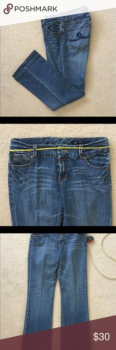 """🌍 Seven 7  Jeans Sz. 32 x 30 Beautiful like new condition.                                               Waist:  32""""  Inseam:  30""""  Rise:  9"""" Seven7 Jeans"""