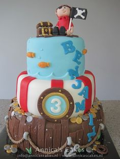 pirate cake/ piraten taart #pirateparty #piratethemedbirthday #littleboypiratecake