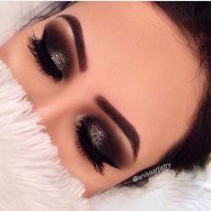 Eye make up Kiss Makeup, Prom Makeup, Love Makeup, Makeup Inspo, Makeup Art, Wedding Makeup, Makeup Inspiration, Hair Makeup, Black Makeup