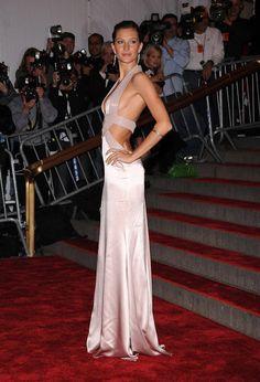 a495e9ba7c Gisele Bündchen. Versace GownGala ...