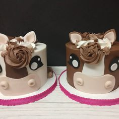Super cute horse cakes for twin girls #theredmixer #trm #pgalecia #horsecake #horses