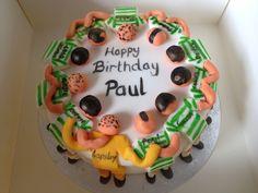 Pinned from Joanne McNeill. Celtic huddle cake #CelticFootballCakes