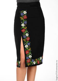 Ideas Embroidery Mexican Skirts For 2019 Mexican Skirts, Mode Collage, Dress Skirt, Dress Up, Slit Skirt, Jupe Short, Look Chic, Mode Inspiration, Mode Style