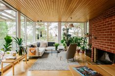 Classic Interior, Minimalist Interior, Living Room Inspiration, Interior Inspiration, 1970s House Renovation, Sunroom Addition, Interior And Exterior, Interior Design, Highland Homes