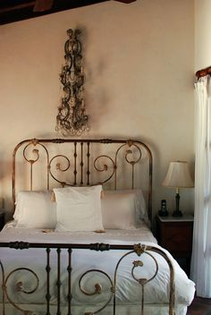 ooohhlove old wrought iron beds