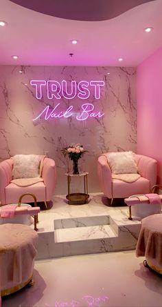 Home Nail Salon, Nail Salon Design, Nail Salon Decor, Beauty Salon Design, Pink Nail Salon, Makeup Studio Decor, Spa Interior, Salon Interior Design, Beauty Shop Decor