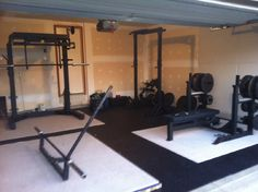 nice garage gym - Power lifter much?