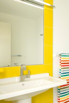Find yellow bathroom accessories uk only on this page Interior Design Images, Interior Design Inspiration, Interior Ideas, Design Ideas, Budget Bathroom, Bathroom Ideas, Yellow Bathroom Accessories, Decorating Tips, Interior Decorating