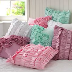 Romantic Cushions for bedroom / Almohadones romanticos para la habitacion