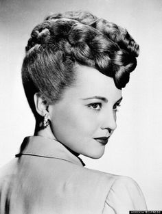 Vintage Hairstyles this retro braid updo is lovely - These days, a beautiful photo of a sandwich isn't just a beautiful photo of a sandwich, and 1940s Hairstyles For Long Hair, Pigtail Hairstyles, Retro Hairstyles, Wedding Hairstyles, Old Fashioned Hairstyles, Haircut Tip, Fashion Through The Decades, Retro Updo, Cinema Tv