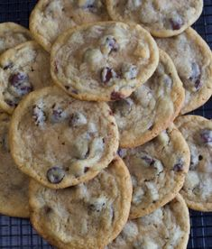 Thin & Chewy Chocolate Chip Cookies - My Country Table These buttery cookies are thin and chewy and loaded with dark chocolate chips. Melt in your mouth goodness! Chewy Chocolate Chip Cookies, Chocolate Chips, Chocolate Recipes, Chocolate Granola, Healthy Chocolate, Chocolate Ganache, White Chocolate, Cookie Recipes, Dessert Recipes