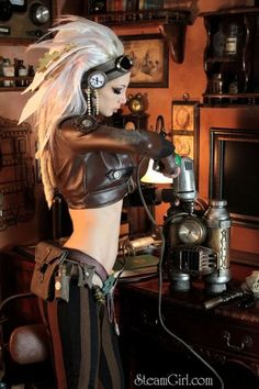 STEAMPUNK GIRL WITH POWER TOOLS