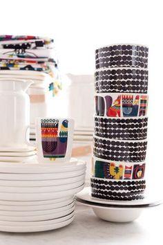 Marimekko: kitchen and dinning room Marimekko, Home Decor Items, Home Decor Accessories, Scandinavia Design, Modern Dinnerware, Swedish Design, Deco Design, Teller, Porcelain Ceramics