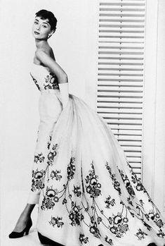 audrey hepburn outfits | Cinematic Scenes: Sabrina (1954): Audrey Hepburn, Humphrey Bogart ...