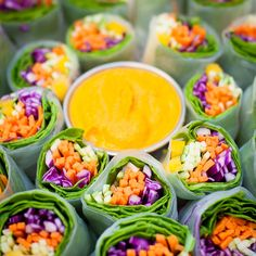 Who wants some colorful and full of flavor fresh veggie spring rolls served with spicy curry sauce? Delicious appetizer and great to bring to parties! Perfect for lunch, dinner or as a snack. Total…