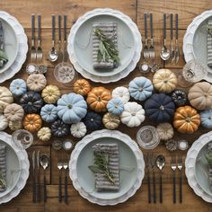 Anyone else wishing they were invited to this fall dinner party? Casa D… Anyone else wishing they were invited to this fall dinner party? Thanksgiving Tablescapes, Thanksgiving Decorations, Holiday Tablescape, Happy Thanksgiving, Thanksgiving Wedding, Thanksgiving Photos, Thanksgiving Table Settings, Thanksgiving Traditions, Typical Thanksgiving Dinner
