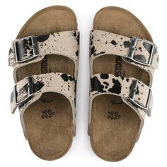 BIRKENSTOCK Arizona Micro Fibre in all sizes ✓ Buy directly from the manufacturer online ✓ All fashion trends from Birkenstock Socks And Sandals, Shoes Sandals, Cute Shoes, Me Too Shoes, Clogs Outfit, Cute Country Outfits, Western Shoes, Cowgirl Outfits, Arizona