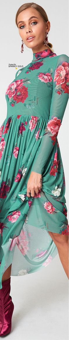Floral Fashion, Red Fashion, Fashion 2020, Fashion Design, Fashion Trends, Floral Style, Floral Lace, Aqua, Turquoise