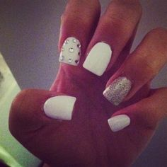 Not big on acrylic nails anymore but these are adorable!