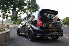 Modifikasi Nissan Grandlivina Hitam