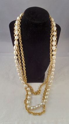 Liz Claiborne Chain Necklace Multi Strand Gold  with Large Faux Pearls #tallulahsvintage