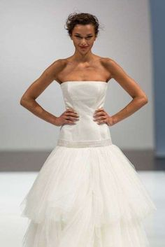 DRESS 2014 GIUSEPPE PAPINI WITH LOW WAIST: A wedding dress collection 2014 Giuseppe Papini with wide skirt with low waist.