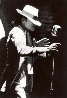♫ Smooth Criminal ♫