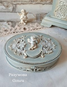 Decoupage Box, Decoupage Vintage, Vintage Crafts, Diy Home Crafts, Easy Crafts, Ballerina Jewelry Box, Clay Box, Baby Room Diy, Pretty Box
