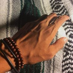 Here& for my peoples that like nice hands. If guys keep on sending these to. - a e s t h e t i c - Here& for my peoples that like nice hands. If guys keep on sending these to me I& give - Beautiful Boys, Beautiful Hands, Pretty Boys, Veiny Arms, Arm Veins, Hot Hands, Hand Pictures, Hand Pics, Daddy Aesthetic