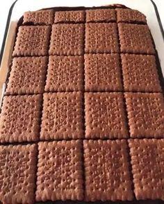 """8,106 Beğenme, 63 Yorum - Instagram'da Yemek Tarifleri (@harika.sunum): """"🎥: @sevdenurkaya Kahveli Cikolatalı Pasta 🍰3 yumurta 🍰1 sb seker 🍰yarım cb süt 🍰yarım cb sıcak su…"""" Iftar, Food To Make, Cheesecake, Food And Drink, Chocolate, Desserts, Instagram, Delicious Food, Amazing"""