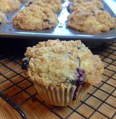 Gluten Free Vegan Blueberry Muffins with a Streusel Topping  Dessert easy , food , vegano , postre