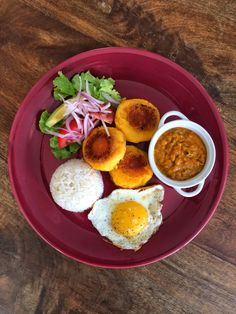 Confieso que cocino: Llapingachos + Salsa de Maní Mexican Food Recipes, Vegan Recipes, Cooking Recipes, Ethnic Recipes, Dominican Food, Dominican Recipes, Comida Latina, Exotic Food, Latin Food