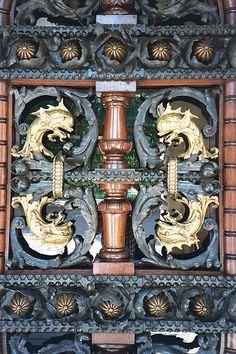 door detail,17 Parc della Citadella, Barcelona by StevenC_in_NYC, via Flickr
