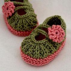 Knitting Pattern (PDF file) - Daisy Baby Booties months) at etsy Baby Knitting Patterns, Baby Booties Knitting Pattern, Knit Baby Shoes, Crochet Baby Booties, Crochet Baby Shoes, Knitting For Kids, Easy Knitting, Baby Patterns, Knitting Projects