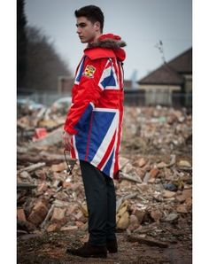 Union Jack Parka - this must be mine! Union Jack Clothing, Patriotic Outfit, Patriotic Clothing, Baby Boy Fashionista, Fashion Boots, Mens Fashion, Fishtail Parka, English Girls, Union Flags