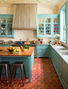 This color, but different shaped tile for kitchen?  Wonderful with the teal cabinets and probably would be great with the cream, also.  ~ from Vinzon decoracion