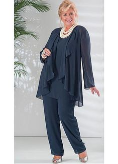 Graceful PantSuits Chiffon Jewel Neckline Full-length Mother Of The Bride Dress With Coat - Kleidung damen - Guest Mother Of The Bride Plus Size, Chiffon Jacket, Mother Of Groom Dresses, Mother Of The Bride Trouser Suits, Mom Dress, Fashion Over 50, Wedding Suits, Lace Wedding, Wedding Dresses
