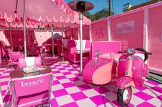 Pretty in Pink: See Inside Benefit Cosmetics' First-Ever Pop-Up Retro Products retro marketing products Milk Shop, Benefit Cosmetics, Pop Up Stores, Retail Stores, Brand Packaging, Retail Design, Store Design, Event Decor, Pretty In Pink