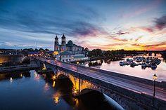 Athlone (Aaron_S.) Tags: bridge Ireland sunset.
