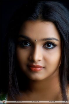 Deepthi_Nambiar Indian looks in shadow red lips Most Beautiful Eyes, Most Beautiful Indian Actress, Beautiful Girl Image, Beauty Full Girl, Beauty Women, India Beauty, Asian Beauty, Brunette Beauty, Hair Beauty