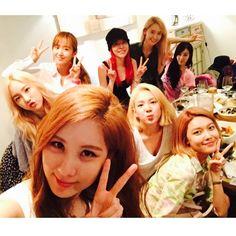 어제 서현이 생일파티~~~! 맛있는 저녁도먹고 노래방도 갔지~ 즐거운 시간 보냈답니다 @seojuhyun_s #BDayParty #GG