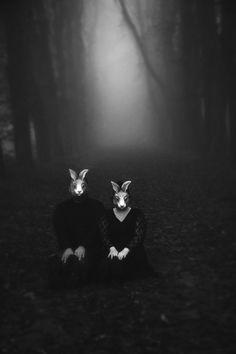 rabbit masked in foggy woods by lynda Creepy Photography, Horror Photography, Dark Photography, Animal Masks, Animal Heads, Creepy Masks, Creepy Photos, Dark Art, Pulp Fiction