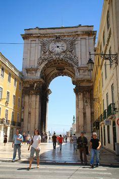 #Lisboa, la ciudad luminosa  - via Janonautas
