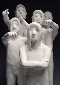 Agnès Baillon  - 4 jeunes en galerie