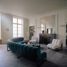 Get amazed and explore some of these creative interior design projects by Humbert & Poyet! Furniture Inspiration, Interior Design Inspiration, Decor Interior Design, Interior Decorating, Thomas Fritsch, Salon Art Deco, Unique Sofas, Home Decor Furniture, Best Interior