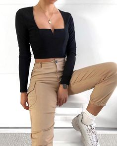 Big trend for the summer 2019 – – Fotos – – Mode – outfits Mode Outfits, Girly Outfits, Cute Casual Outfits, Fall Outfits, Summer Outfits, Fashion Outfits, Black Top Outfits, Simple Outfits, Cropped Top Outfits