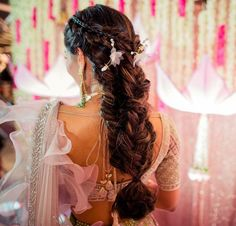 Every woman wants to see her hair styled easily yet with chic. We are thrilled, Voluminous Fishtail Braid Faux Hawk. Of all the fishtail Indian Bridal Hairstyles, Bridal Hair Updo, Bride Hairstyles, Pretty Hairstyles, Messy Braided Hairstyles, Medium Hair Styles, Curly Hair Styles, Engagement Hairstyles, Hair Knot