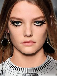 Cool New Eyeliner Looks You Have To Try: Louis Vuitton Painted-On Lashes | allure.com