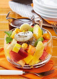 Ensalada de frutas con almíbar de té  Fruit salad with tea syrup